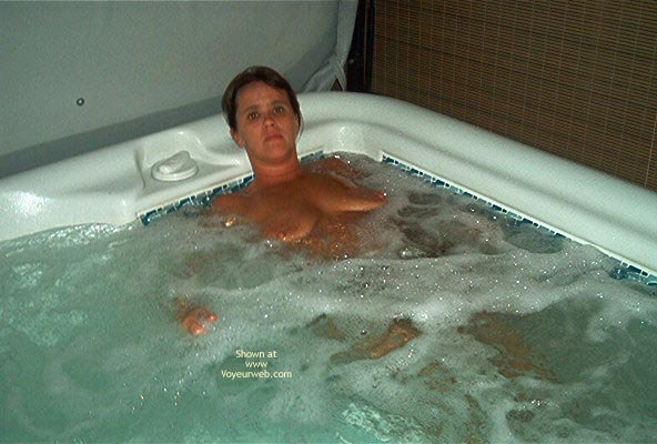 Pic #3 - Tina In The Hott Tub