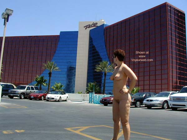 Pic #4 - Amanda in Vegas Again