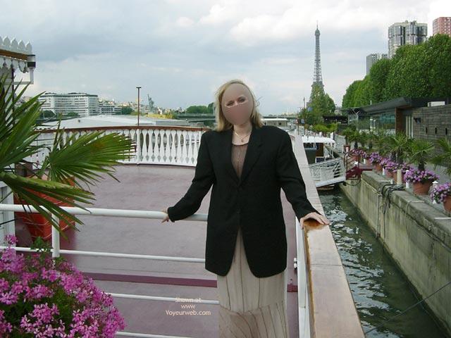 Pic #5 - Flash Cards Bunny Enjoying Paris, France