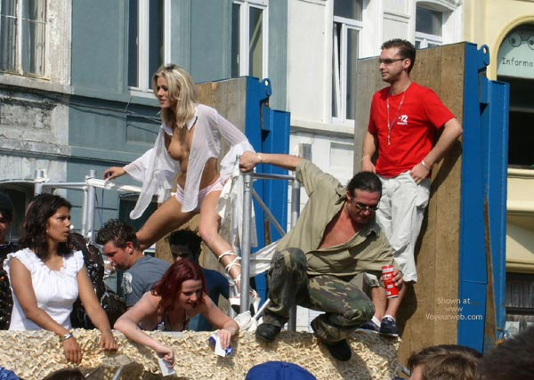 Pic #1 - City Parade 2003