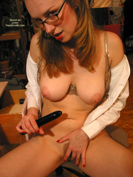 Pic #5 - Leila Studying In The Nude