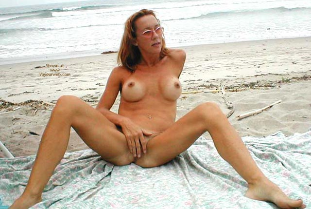 Pic #7 - Kim4kate Cold/Hot Day At The Beach 1