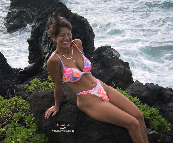 Pic #4 - Lil' J in Maui 2