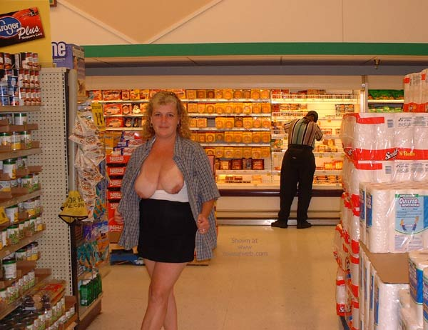 Pic #8 - Flashing While Shopping In Denver