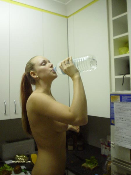 Pic #2 - Aussie Jewel Back In The Kitchen