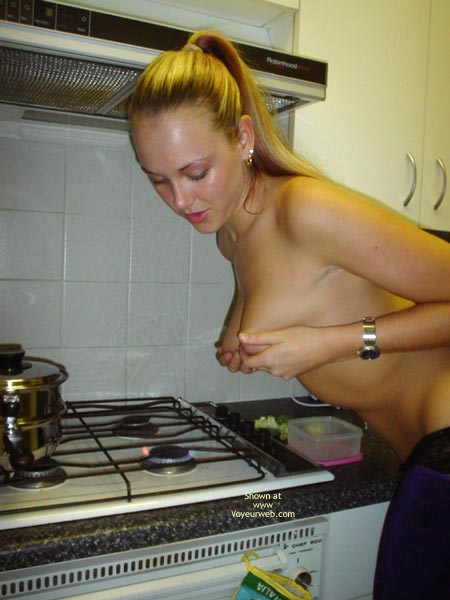Pic #9 - Aussie Jewel Back In The Kitchen