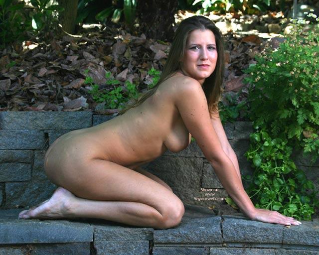 Pic #5 - Alyssa In The Backyard