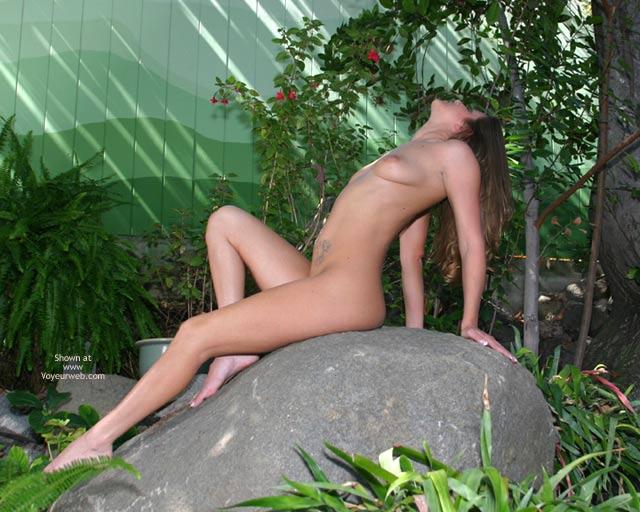 Pic #9 - Alyssa In The Backyard