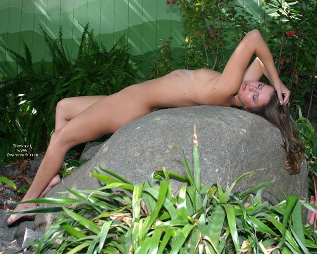 Pic #10 - Alyssa In The Backyard