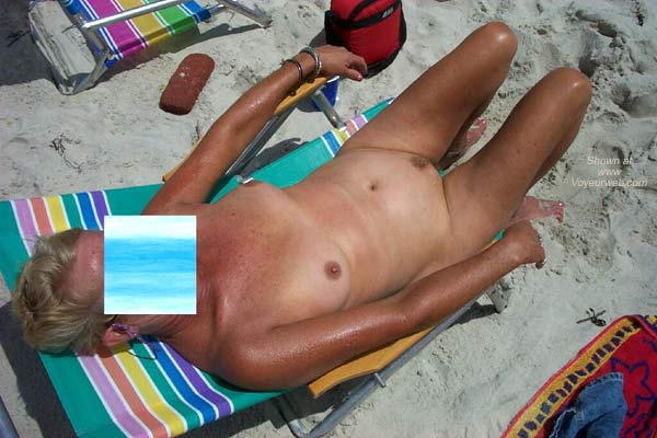 Pic #4 - Suzziepoohs Nude Beach Vacation