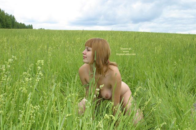 Pic #7 - I Am Hiding Nude In The Grass