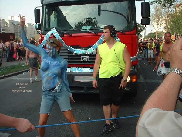 Pic #2 - Vienna Love Parade 2001