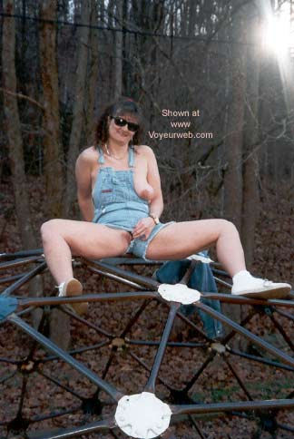 Pic #4 - Naughty Lynn at The Playground