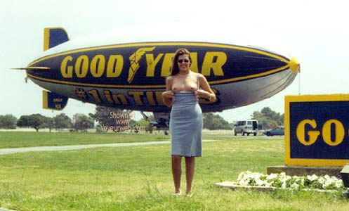 Pic #1 - Hollywood Flasher at The Goodyear Blimp 1