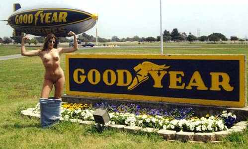 Pic #4 - Hollywood Flasher at The Goodyear Blimp 1