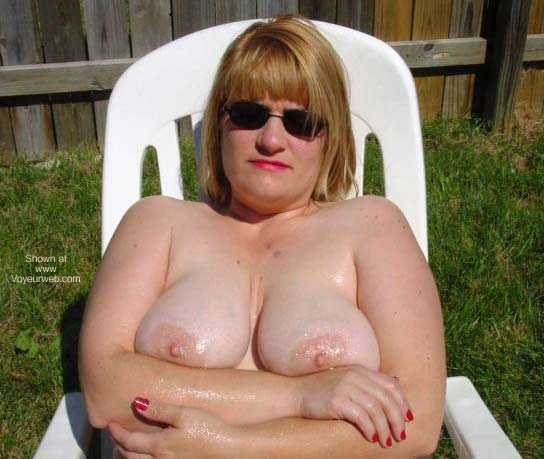 Pic #5 - Lisa 40D and Nude