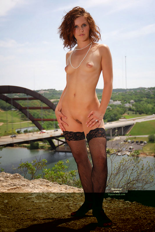 Pic #8 Mandy 18 Y/O Flashing