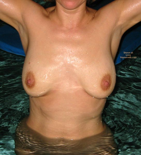 Pic #5 - Tuesday Night In The Pool