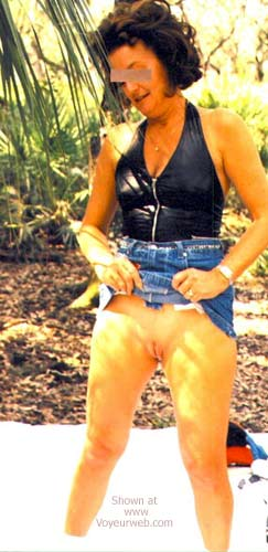 Pic #3 - Over 40 Wife in Florida Woods 4