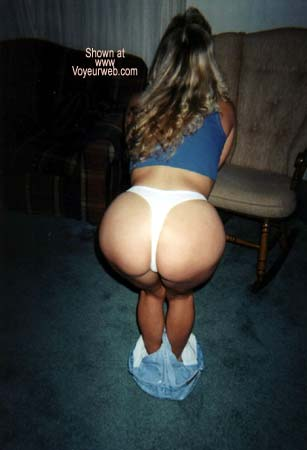 Pic #2 - Sexy Housewife
