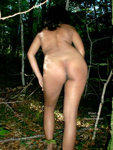 Pic #5 - Aiko Likes The Forest