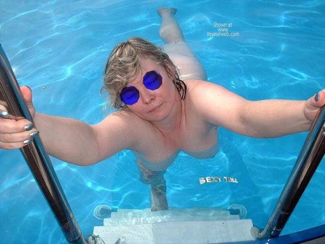 Pic #3 - Sexy Tina´s Pool Pics 6