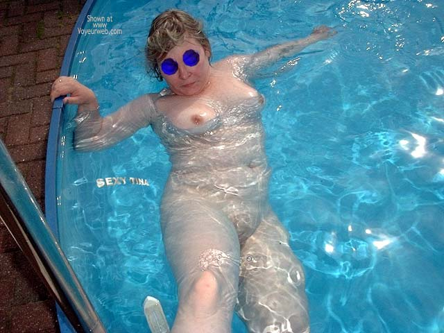 Pic #9 - Sexy Tina´s Pool Pics 6
