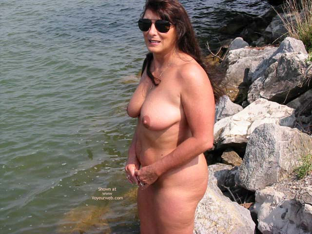 Pic #4 - Victoria At The Lake