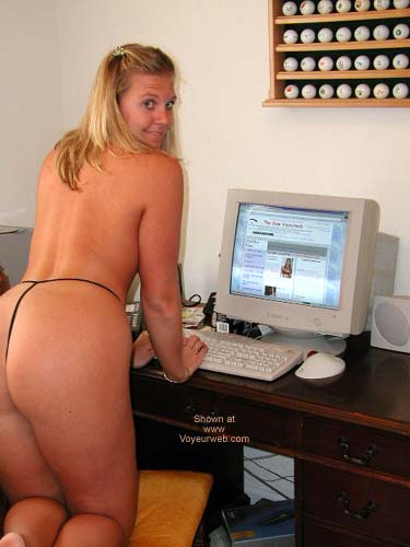 Pic #6 - Abril Surfing The Net