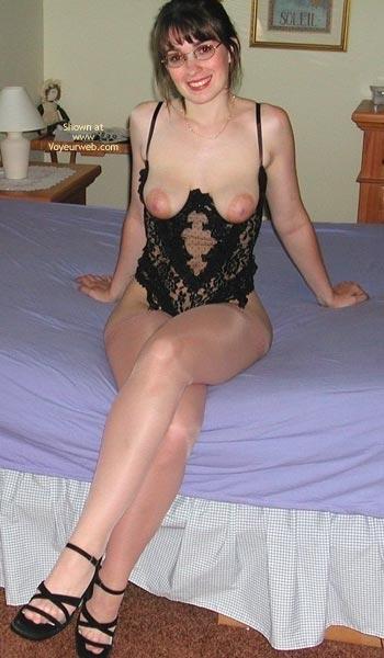 Pic #2 - Newcomer Girl Next Door Amyk