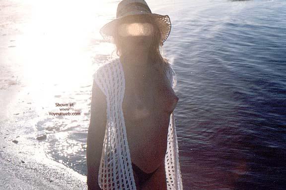 Pic #1 - Garota Ma Nas Praias