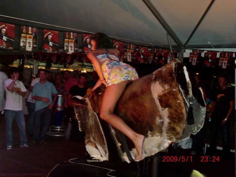 Pic #2 Girls On The Bull