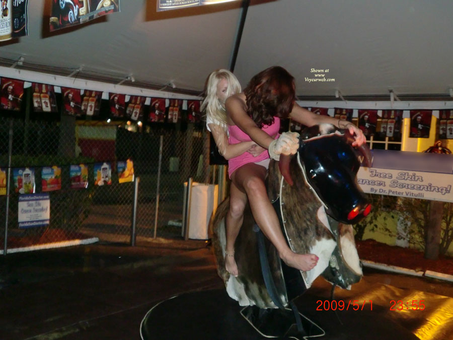 Pic #3 Girls On The Bull