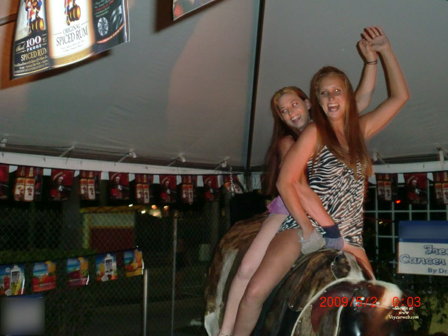 Pic #5 Girls On The Bull