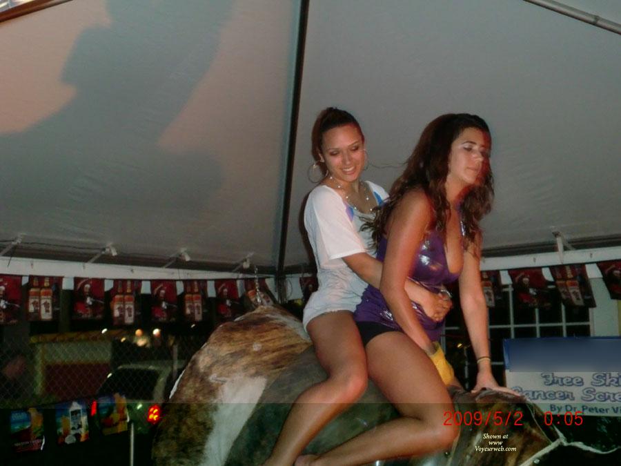 Pic #6 Girls On The Bull