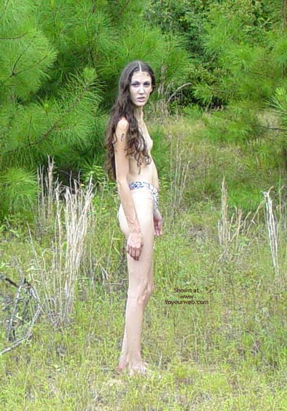 Pic #6 - Hippy Chick Goes To The Woods
