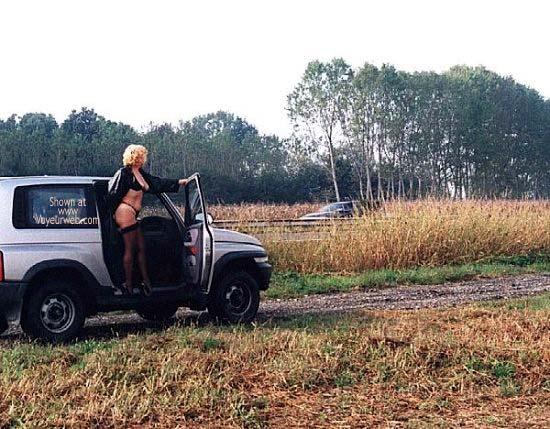 Pic #3 - Caty in Autostrada