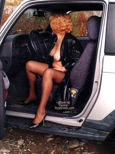 Pic #4 - Caty in Autostrada