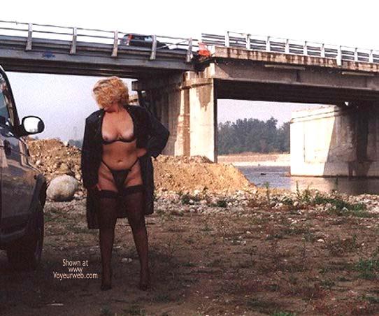 Pic #6 - Caty in Autostrada