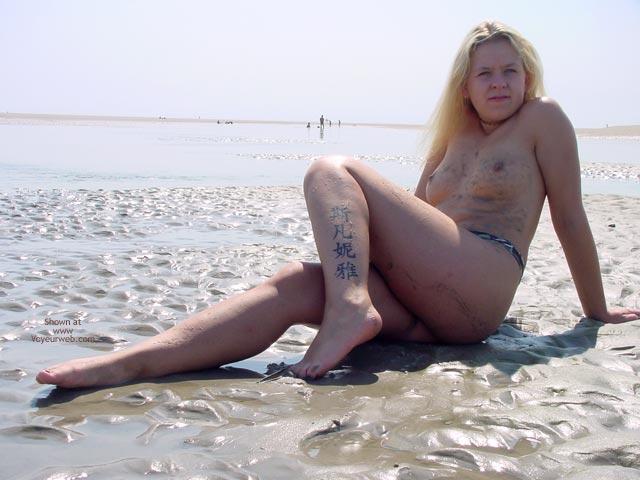 Pic #6 - Svenja In The Water
