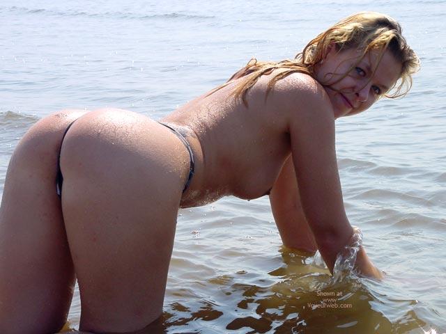 Pic #9 - Svenja In The Water