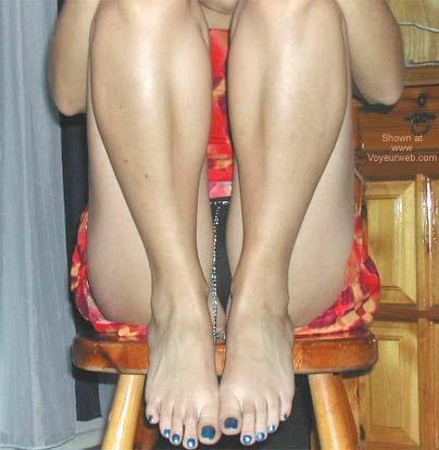 Pic #3 - Lara's Feet N Close-Up Shots