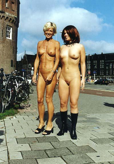 Pic #4 - *GG Greta and Lisa Nude on Prins Hendrikkade