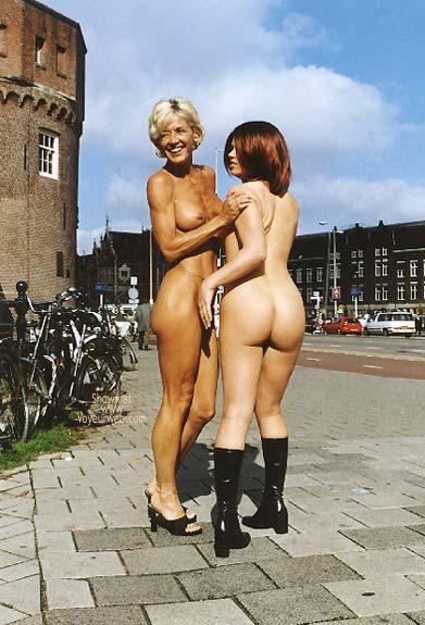 Pic #5 - *GG Greta and Lisa Nude on Prins Hendrikkade