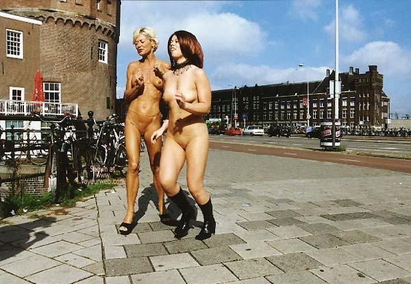 Pic #6 - *GG Greta and Lisa Nude on Prins Hendrikkade