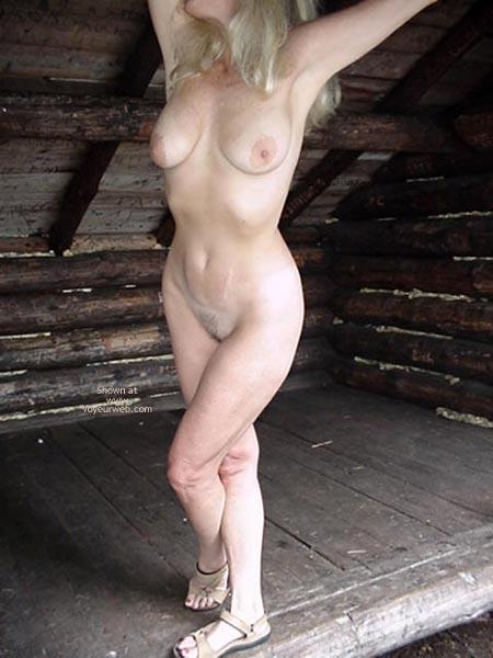 Pic #7 - Victoria Ann Visits A Lean To