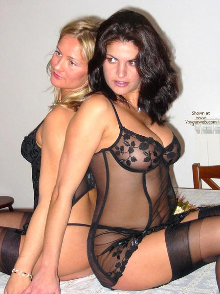 Pic #2 - *Gg Elise In Ligerie With Vanessa