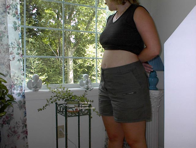 Pic #2 - Pregnant Chrissy At 18 Weeks