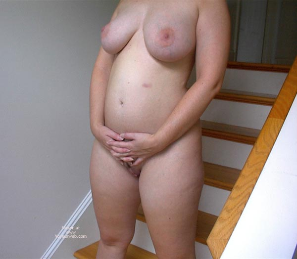 Pic #8 - Pregnant Chrissy At 18 Weeks
