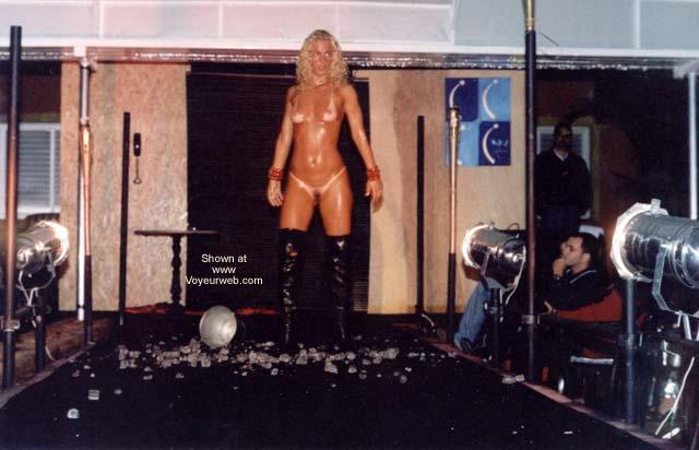 Pic #2 - Brazil - Debora Nude